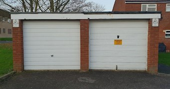 Garages adjacent to 27-31 Draycott, Cam