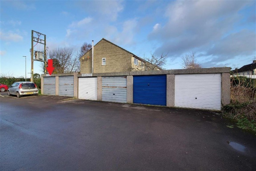6 Garages, Coldwell Close, King's Stanley