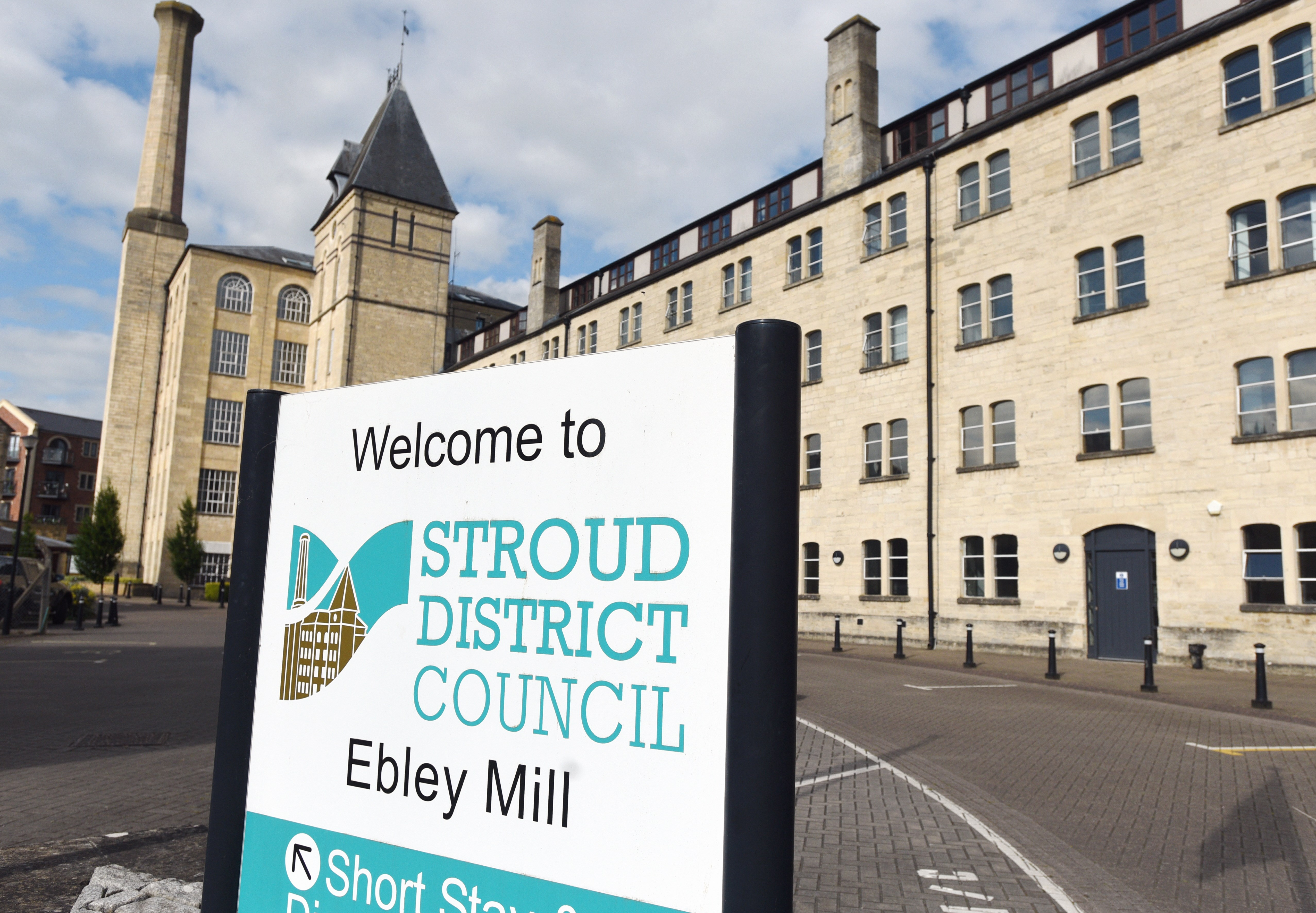 stroud-district-council-strengthens-commitment-to-tackle-climate-change